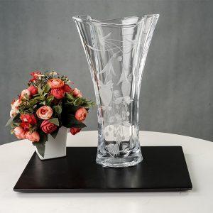 Lọ hoa Simle khắc trắng