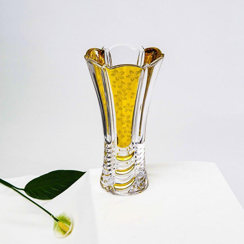 Lọ hoa pha lê khảm vàng